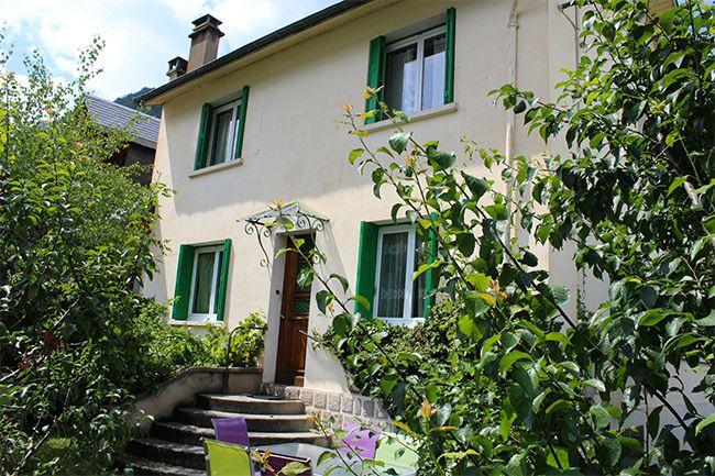 Maison flor louer maison luchon location chalet for Laure de flores linge de maison